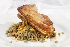 Kartoflana rolada z szpinaka, marchewki i curry'ego ryż, Obrazy Royalty Free