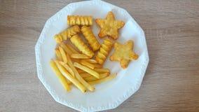 Kartoflani produkty na talerzu Zdjęcie Royalty Free
