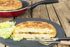 Kartoflany omelette, jarski jedzenie Obrazy Stock