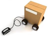 Karton auf den Rädern angeschlossen an eine Maus Stockfotografie