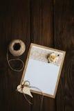 Kartonkaart met bloem Stock Afbeeldingen
