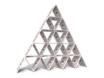 Kartonnen Piramide stock afbeelding