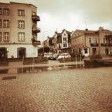 Kartuzy-Stadtzentrum Künstlerischer Blick in den Weinlesekräftigen farben Stockfotografie