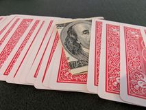 Karty, $100 rachunek zdjęcie royalty free