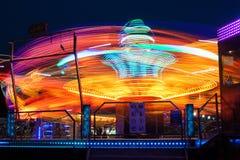 Karuseller på natten royaltyfri bild