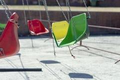 Karussellsitze rotieren ohne Kinder lizenzfreie stockfotos