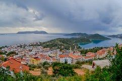 Kas。 土耳其。 对Kastelorizo的全景 免版税库存图片