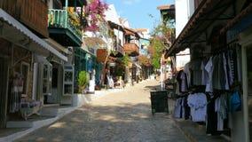 KAS, ANTALYA, ΤΟΥΡΚΊΑ - ΤΟ ΜΆΙΟ ΤΟΥ 2015: Καταστήματα στις στενές οδούς φιλμ μικρού μήκους