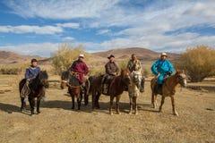 Kasachische Eagle-Jäger zu Pferd In Bayan-Olgii wird Provinz bis 88,7% von den Kazakhs bevölkert Stockbild