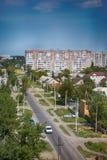 Kasakhstan Pavlodar - Juli 24, 2016: Stad Pavlodar i nordliga Kasakhstan 2016 Sektor av privata hus och hyreshusar Fotografering för Bildbyråer