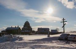 Kasan, Russland - 28. Februar 2017 - Sviyazhsk-Insel: Russischer ethnischer Karneval Maslenitsa - Kloster gegen Lizenzfreie Stockbilder