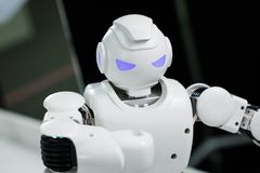 Kasan, Russland - March2018: Kleiner Roboter mit menschlichem Gesicht und Körper - Humanoid Künstliche Intelligenz Stockfotografie