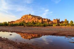Kasbah Ait Ben Haddou στα βουνά ατλάντων του Μαρόκου στο sunse Στοκ εικόνες με δικαίωμα ελεύθερης χρήσης
