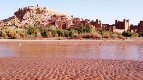 Kasbah Ait Ben Haddou en las montañas de atlas, Marruecos, metrajes