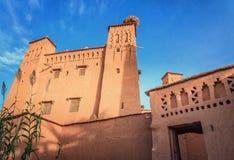 Kasbah Ait Ben Haddou en las montañas de atlas de Marruecos Patrimonio mundial de la UNESCO foto de archivo