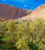Kasbah pequeno em montanhas do atlas, Marrocos Imagens de Stock Royalty Free
