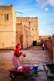 Kasbah Taourirt Frauenwaschen Ouarzazate marokko stockfotografie
