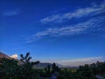 Kaschmir-Landschaftsgebirgswolkenparadies stockbild