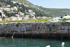 Kase del rompeolas en Dubrovnik, Croacia imagen de archivo