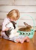 Kash et le lapin de Pâques images stock