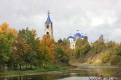 Kashinka flod i den Kashin staden Royaltyfria Foton