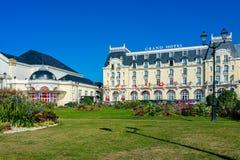 Kasino av Cabourg och det storslagna hotellet Fotografering för Bildbyråer