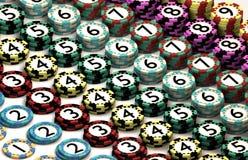 Kasino-Chip gestapelt im Muster der Quantitäts-Ordnung Stockbilder
