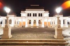 Kasino in der Nacht Klausenburg Napoca stockfotos