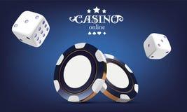 Kasinopokerchips und -würfel Chips des Kasinospiels 3D On-line-Kasinofahne Blauer realistischer Chip Spielendes Konzept, Poker Stockbild