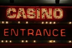 kasinot tänder neontecknet Arkivbilder