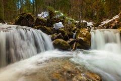 Kaskad av Sibli-Wasserfall. Rottach-Egern Bayern, Tyskland Arkivbild