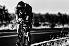 Kaskad som 2014 cyklar det klassiska vägloppet Fotografering för Bildbyråer