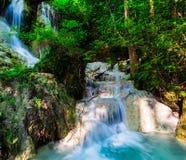 Kaskada w głębokim lesie przy Erawan parkiem narodowym Obrazy Stock