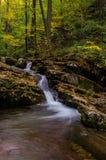 Kaskade Delawares Water Gap lizenzfreie stockbilder