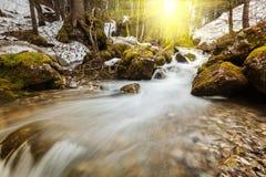 Kaskade von Sibli-Wasserfall. Rottach-Egern, Bayern, Deutschland Lizenzfreie Stockfotografie