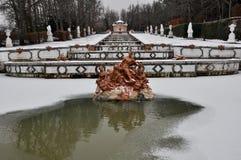 Kaskadowa fontanna przy losu angeles Granja De San Ildefonso pałac, Hiszpania Zdjęcia Royalty Free