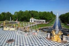 kaskadowy uroczysty pertergof Petersburg święty Obrazy Stock