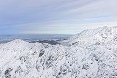 Kasprowy Wierch峰顶在扎科帕内在Tatra在冬天登上 免版税库存图片