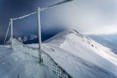 Kasprowy Wierch cubierto por la nieve en invierno Fotografía de archivo