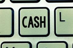 Kassa för ordhandstiltext Affärsidé för pengar i någon form speciellt det som är omedelbart tillgängliga mynt royaltyfria foton