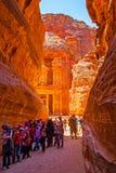 Kassatemplet i Petra royaltyfria bilder