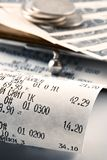 Kasseneingang, der das verbrauchte Geld darstellt Lizenzfreie Stockbilder