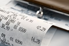 Kasseneingang, der das verbrauchte Geld darstellt Lizenzfreie Stockfotografie
