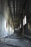 kasserad byggnadskorridor Royaltyfri Fotografi