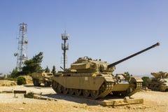 Kasserade Sherman Tank på den HarAdar radarkullen Monum arkivbild