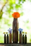 Kassett-fall med blommor Fotografering för Bildbyråer