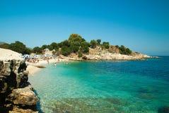 Kassiopi strand, Korfu ö, Grekland royaltyfri fotografi