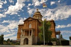 kastanjebrun domstolsbyggnad Royaltyfri Fotografi