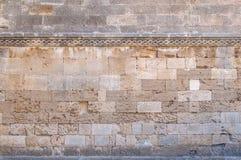Kasteel decoratief patroon met het gele blok van de rughsteen royalty-vrije stock foto