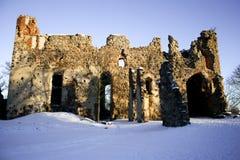 Kasteel in Dobele De ruïnes van het kasteel Stock Afbeelding